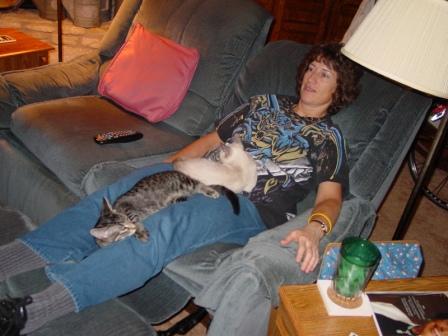 Leo and Chinus and Mom around 2008.JPG
